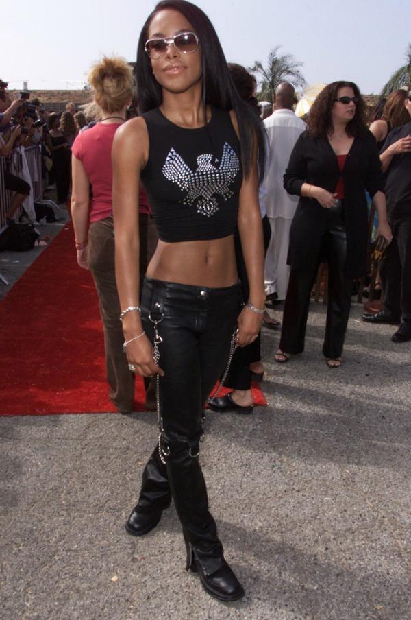 AAliyah, crop top, 90s fashion