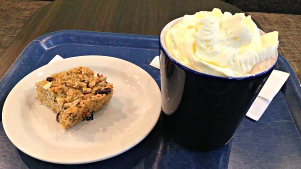 hot-choclate-whipped-cream-granola-bar